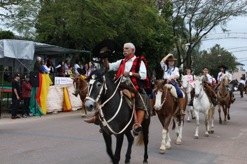 Desfile Farroupilha - Butiá - Butiá-RS