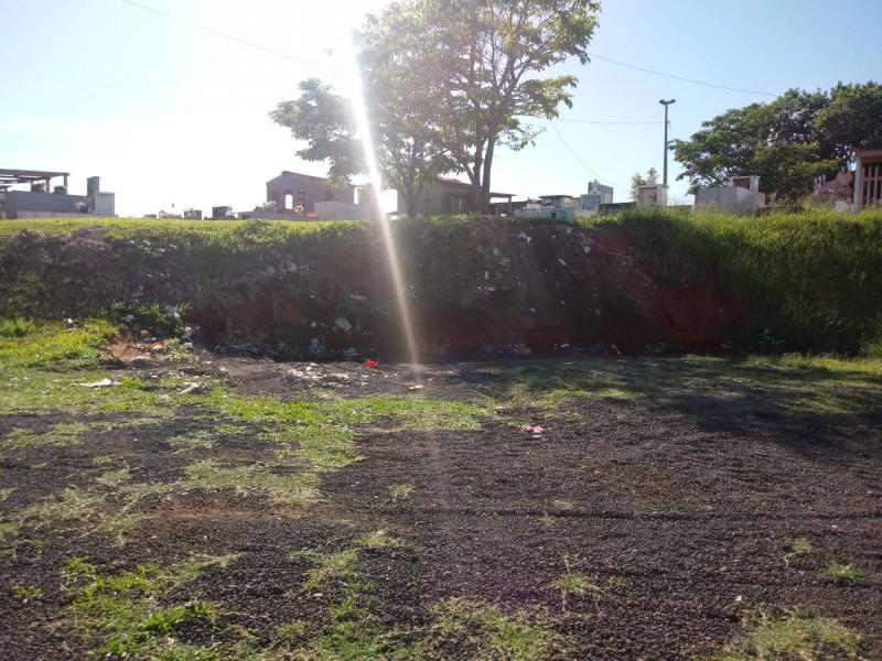 Cemitéiro foi limpo pela Prefeitura na manhã de terça-feira