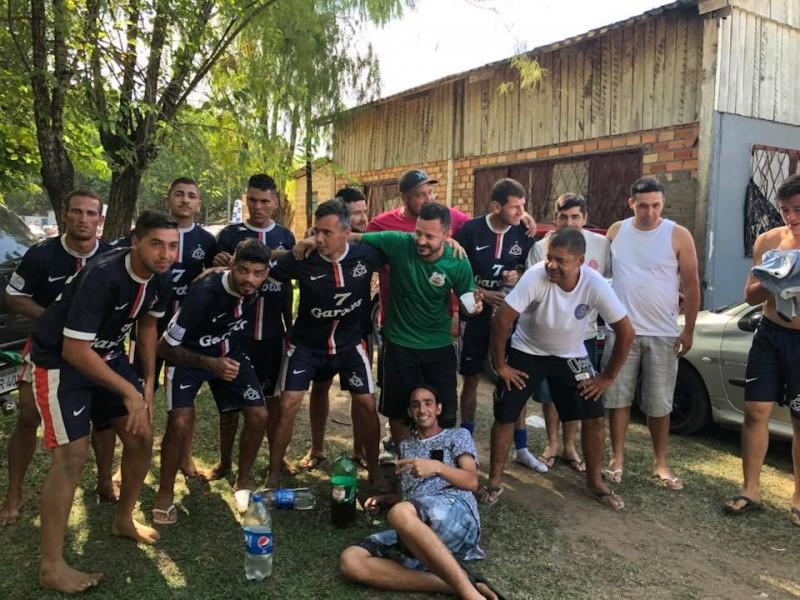 Setge Garotos cvenceu a etapa de beach soccer